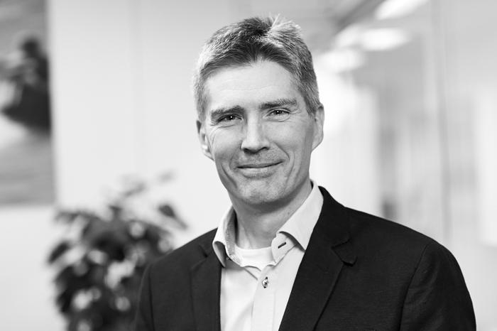 Ebbe Hasse Holm : Abonnementssalgschef