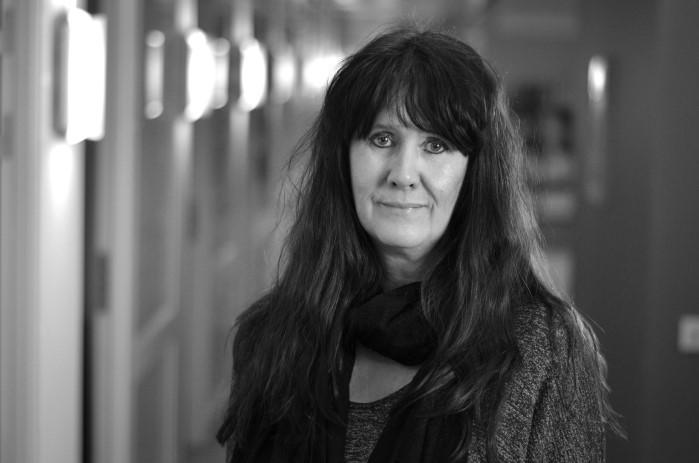 Lena Linde : Inkassoärenden, Ekonomi