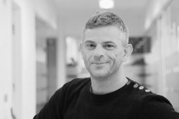 Adam Berg : Senior Mediekonsulent