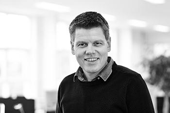 Simon Dinsen Hansen : Journalist, Jern & Maskinindustrien