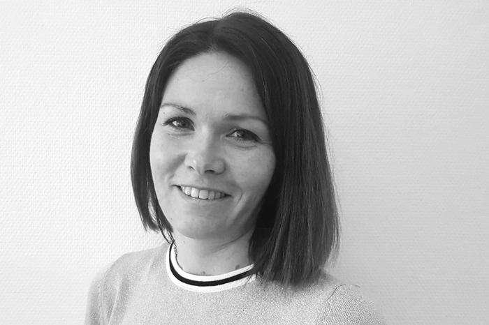 Camilla Elvenes : Support & Grafikk