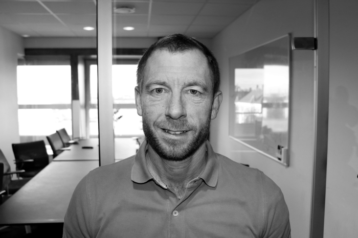 Jesper Hansen : Adm. direktør