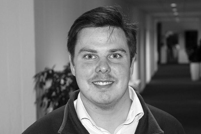 Mads Peter Starling-Juhl : Studentermedhjælper