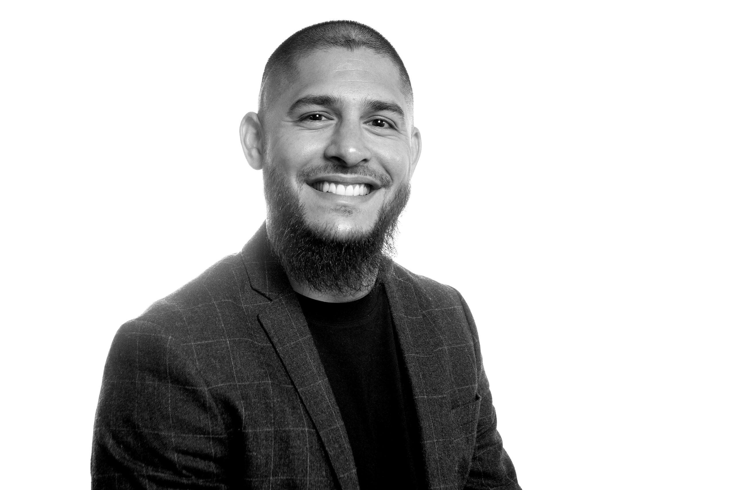 Ibrahim Al-Madfai : Salgschef, Intern salg