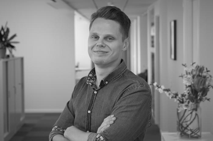 William Karmitsa : Prenumerationssäljare